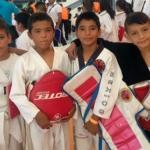 Apoyan a niños para torneo de artes marciales