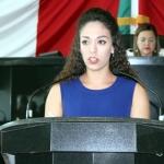 Logra Crystal Tovar revisión a reglamentos escolares